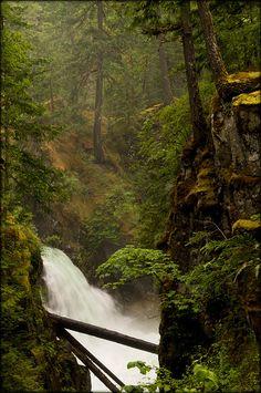 Little Qualicum Falls, British Columbia, Canada