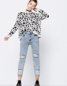Jeans mom fit rotos y tachuelas - Denim Collection - Trends - Mujer - PULL&BEAR Islas Canarias
