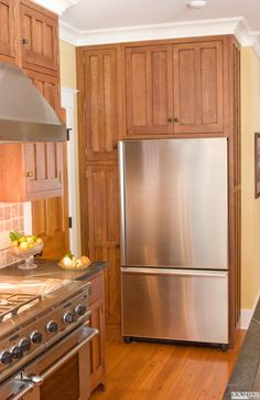 Discover the quality and beauty of the Craftsman Kitchen design in this informative article featuring pictures of kitchens in the Craftsman style. New Kitchen, Kitchen Dining, Kitchen Ideas, Kitchen Designs, Dining Room, Two Tone Kitchen Cabinets, Tall Cabinets, Crown Point Cabinetry, Craftsman Style Kitchens