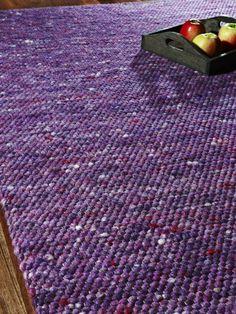 Käsinkudottu villamatto Florida, valmistaja Tisca. Tilattavissa Catalinasta. Rugs On Carpet, Carpets, Textile Design, Interior Ideas, House Ideas, New Homes, Florida, Home Decor, Woven Rug