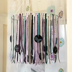 PB Teen ribbon mobile: I would love to DIY this. That sure is a lot of ribbon though Pottery Barn Look, Pottery Barn Teen, Mobiles, Homemade Mobile, Ribbon Mobile, Ribbon Chandelier, Ribbon Storage, Pb Teen, Diy Chalkboard