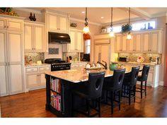 9045 HAYES Drive Gainesville, GA 30506   Gourmet Kitchen