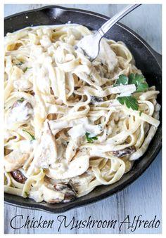 Chicken and Mushroom Fettuccine Alfredo. Easy #OnePotPasta and so delicious.