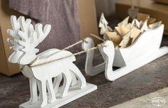 Natale TonoSUTono | Renna con slitta, in legno bianco, per confezioni