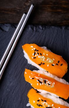 This sushi is bell-pepper based and the silky texture is achieved by soaking in mirin and rice vinegar to soften it. Place over rice to make a veggie version of salmon nigiri. Sushi Roll Recipes, Veg Recipes, Whole Food Recipes, Delicious Recipes, Vegan Sushi, Vegan Food, Nigiri Sushi, Sushi Love, Sushi Party