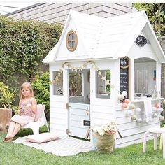 I've been a little MIA thus #SwoonWorthySaturday as my good friend had her baby early and we got to stop in Waco and visit on our way back up to Dallas. So happy to get my baby fix!  Speaking of little ones… Is this playhouse not a dream come true?! I'm so glad @rachelelizabethcreates shared this for #SwoonWorthySaturday!!! This is the work of @winterdaisykids and I am totally swooning! Thank you so much, Rachel, for sharing this with all of us! Every kid's dream! ✨ please go visit both...