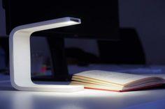 Kwambio 3D printed phone lamp design