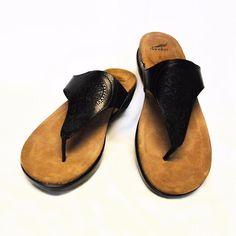 0bc34f10256 NEW Dansko Priya 8.5-9 39 Thong Sandals Black Embossed Leather Medallion  Cork