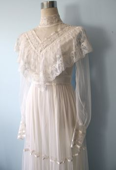 1970s Gunne Sax Wedding Dress