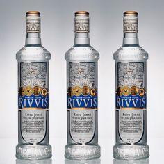 RIVVIS VODKA - Dizajnérsky návrh fľaše a etikety značky Rivvis Vodka pre liehovar Modrý strom, Veľké Orvište.