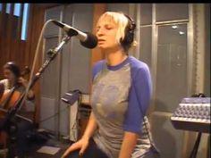 ▶ Sia - Breathe Me (KCRW 2007) - YouTube