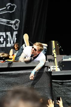Brian fallon being all cute and stuff.