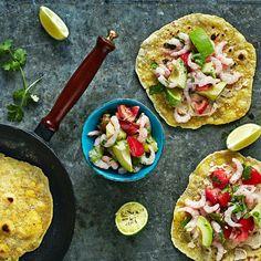 Itsetehdyt tortillat ja katkaraputäyte   K-ruoka #vappu Breakfast Tacos, Vegan Breakfast, Tasty, Yummy Food, My Cookbook, Fresh Rolls, Seafood Recipes, Vegetable Pizza, Love Food