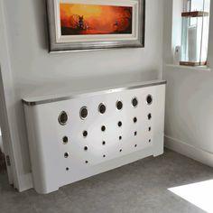 cache radiateur design en métal blanc satiné à motifs cercles ajourés