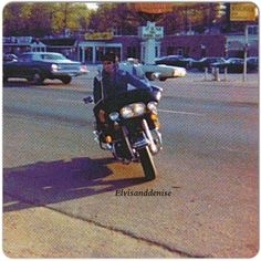 August 14, 1977, Elvis returning home to... - Elvis never left