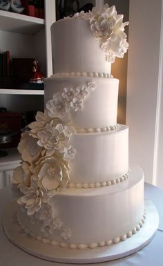 Daily Wedding Cake Inspiration (New!). To see more: http://www.modwedding.com/2014/07/22/daily-wedding-cake-inspiration-new-3/ #wedding #weddings #wedding_cake Wedding Cake: Frosted Art: