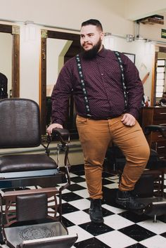 Profession : Plus Size Male Model - Mannequin homme grande taille - Diego Capuchinho - Mens Plus Size Fashion, Chubby Men Fashion, Large Men Fashion, Look Fashion, Mens Fashion, Fashion For Big Guys, Men's Fashion Tips, Fashion Styles, Fashion Ideas