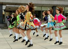 The early history of Irish dance reveals a constant shifting of population through migration and invasions. Description from realestatednews.blogspot.com. I searched for this on bing.com/images