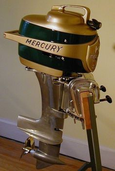 Mercury Mark 20 outboard boat motor man they have come along way. Chalupa, Wooden Speed Boats, Outboard Boat Motors, Crate Motors, Classic Wooden Boats, Boat Engine, Mercury Outboard, Wooden Boat Plans, Old Boats