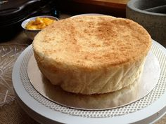 Apparently going on my to-do list - the Ultimate Chinese Sponge Cake. Sponge Cake Easy, Sponge Cake Roll, Lemon Sponge Cake, Sponge Cake Recipes, Bakery Recipes, Sweets Recipes, Cupcake Recipes, Desserts, Chinese Sponge Cake Recipe