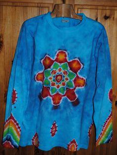 Tričko+L+-+Jasný+den+Originální,+pánské,+batikované+tričko+velikost+Ls+dlouhým+rukávem,+114+cm+přes+prsa,73+cm+délka.+100%+bavlna.+Barveno+kvalitními+reaktivními+barvami,+praní+doporučuji+v+ruce+kvůli+zaprání+bílé+či+světlých+barev.+100%+bavlna180+g/m2+Možno+vyzkoušet+a+vyzvednout+v+Brně.