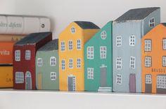 Holzhäuser, Schnitt und handgemalt. Jedes Ferienhaus ist ein einzigartiges Stück, aus Fichtenholz, nicht malen die rustikale Optik nicht entfernen