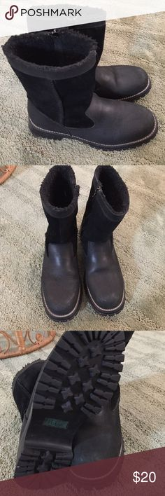Bass Boots Size 8.5B . Leather uppers, balance man made . Zippers on inside boot. BASS BASS Shoes Heeled Boots