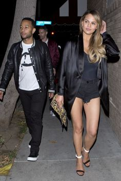 Chrissy Teigen Receives Adorable Mother's Day Message From John Legend, Shows Off Killer Post-Baby Bod Date Outfit Casual, All Black Outfit, Chrissy Teigen John Legend, First Mothers Day, Hollywood, Famous Couples, Restaurant, Fashion Night, Hot Pants