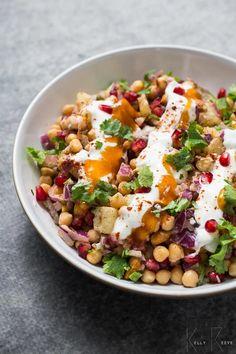 Vegetarian Masala, Tasty Vegetarian, Vegetarian Cookbook, Samosa Chaat, Chaat Masala, Garam Masala, Aloo Bonda, Aloo Gobi, Korma