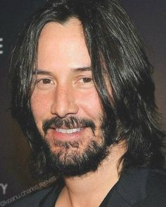Keanu Reeves' Style Evolution, From Grunge Heartthrob To Ageless Wonder – Celebrities Woman Keanu Reeves Biography, Keanu Reeves Quotes, Keanu Reeves John Wick, Keanu Charles Reeves, Outfits Casual, Mode Outfits, Pretty Men, Gorgeous Men, Beautiful Smile