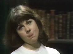 Sarah Jane being Sarah Jane. Sarah Jane Smith, Doctor Who Funny, Innocence Lost, Blake Lively Style, Doctor Who Companions, Classic Doctor Who, Stupid Face, Tv Doctors, Maureen O'hara