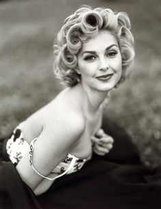 Ashley Judd channeling Marilyn Monroe. She did such a good job playing her in the movie. Loved it!