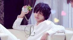 "L from Ep.3, 07/19/'15    [Preview, Ep.4] https://www.youtube.com/watch?v=Ft14aB_McYY Kento Yamazaki, Masataka Kubota, Hinako Sano, Yutaka Matsushige.  J drama series ""Death Note"", 07/26/'15 [Ep. w/Eng. sub] http://www.dramatv.tv/search.html?keyword=Death+Note+%28Japanese+Drama%29"
