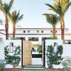 Spanish style homes – Mediterranean Home Decor Spanish Style Homes, Spanish House, Spanish Style Bathrooms, Hacienda Style Homes, Spanish Revival, Entrance Design, House Entrance, Garden Entrance, Door Design