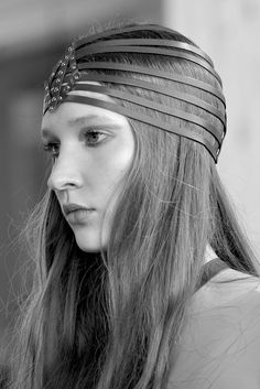 YVY - 1001 collection - Diamond Turban at our Fashionshow in Milan - yvy.ch