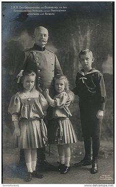 Großherzog von Oldenburg mit Erbprinz Nikolaus und den Prinzessinnen Altburg und Ingeborg | Flickr - Photo Sharing!