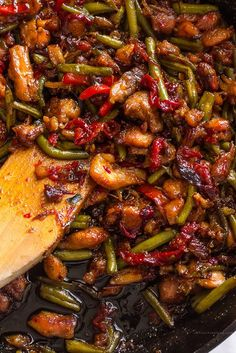 Sweet Thai Chili Chicken And Green Beans Stir Fry With Boneless Skinless Chicken. - Sweet Thai Chili Chicken And Green Beans Stir Fry With Boneless Skinless Chicken Thighs, Corn Starc - Thai Chicken Stir Fry, Sweet Chili Chicken, Chicken Green Beans, Chicken Thigh Stir Fry, Thai Stir Fry Sauce, Thai Chicken Recipes, Thai Basil Chicken, Asian Recipes, Healthy Recipes