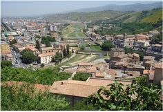 Confluenza Crati-Busento vista dal centro storico