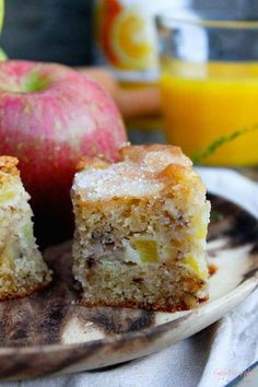 Receta de bizcocho de manzana sencillamente genial Apple Desserts, Apple Recipes, Sweet Recipes, Cake Recipes, Dessert Recipes, Cupcakes, Cupcake Cakes, Apple Cinnamon Cake, Apple Cake