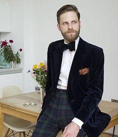 I understand & wish to continue Velvet Dinner Jacket, Wedding Tux, Tuxedo For Men, Sartorialist, Suit And Tie, Hot Dress, Dress Suits, Gentleman Style, Black Tie