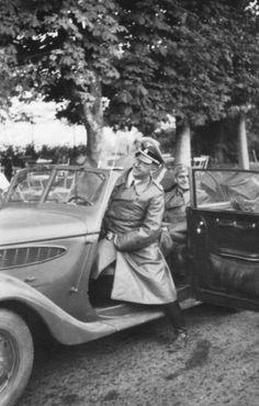Heinrich Himmler and Max Wünsche.