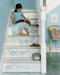 Stamped Stairs Add an element of surprise to a staircase. Create stair-climbing vines (left) with a rubber stamp and latex paint; use a brush to apply paint to the stamp. Wipe mistakes away with damp paper towels. Stenciled Stairs, Painted Stairs, Wooden Stairs, Funky Junk Interiors, Blue Interiors, Refinish Stairs, Wallpaper Stencil, Beautiful Stairs, Blue Rooms
