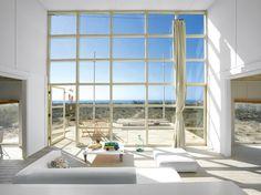 Zwölf Meter lang, sechs Meter breit und hoch – das Strandhaus, das Mathias Klotz für seine Mutter in Chile baute, ist in all seiner Schlichtheit sublim.