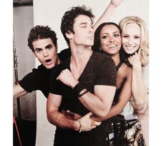 Paul Wesley, Ian Somerhalder, Kat Graham & Candice Accola<<Smolder look strong ian