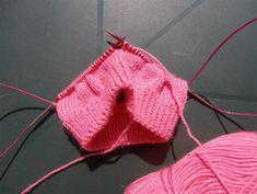 BONNET BéBé 2 Pinterest Blog, Knitted Hats, Beanie, Knitting, Couture, Claire, Lisa, Baby, Knit Beanie Pattern