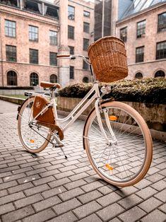 Nagyon kényelmes és szép városi kerékpár. Bicycle, Classic, Vintage, Derby, Bike, Bicycle Kick, Bicycles, Classic Books, Vintage Comics
