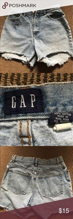 "Gap Women's High Waisted Denim Shirts Sz 10 Women's High Waisted Denim Shirts Sz 10.                                Waist 14"" not doubled  rise 11"" GAP Shorts Jean Shorts"