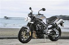 MCN Review for Triumph Street Triple R (2008-2012)