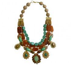 Maxicolar em bijouteria com pedras naturais nas cores marrom, bege e verde (tons terrosos)