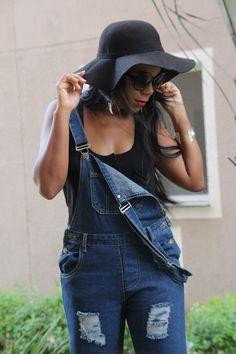 Para quem curte, hoje tem look do dia no Blog com uma peça que é um hit de verão. O jeans nunca sai de moda então que tal passar lá pra conferir!!! http://jeanecarneiro.com.br/macacao-destroyed-jeans-zaful/ #zaful #jeans #totaljeans #destroyedjeans #macacaojeans #fashion #hitdoverao #tendencia #moda #estilo #style #blogger #fashionblogger #chapelariavintage #chapeufloppy #boho #blogueira